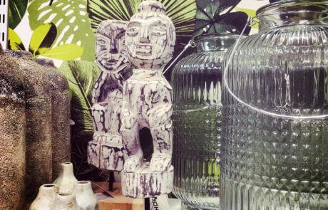Gör din inredning personlig. Skapa din egen stil med de detaljer du tycker om. Gör fina stilleben med vaser, figurer mm.