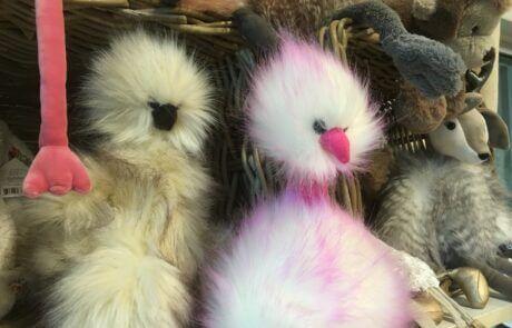 Vi har många fina leksaker! Dessa fluffiga gosedjur är från Jellycat.